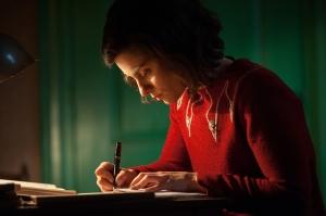 Anne und ihr geliebtes Tagebuch (Bild Kurt van der Elst)